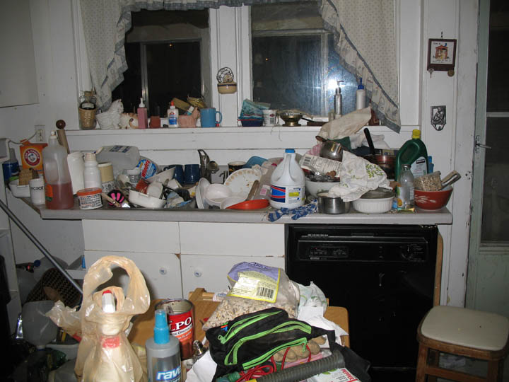 Meth mess photos for Cleaning out deceased parents home